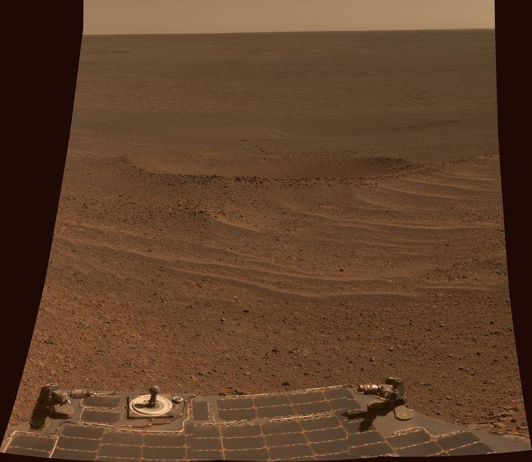 De Lunokhod 2-krater op Mars. Deze krater is grofweg 6 meter breed. Beeld Nasa