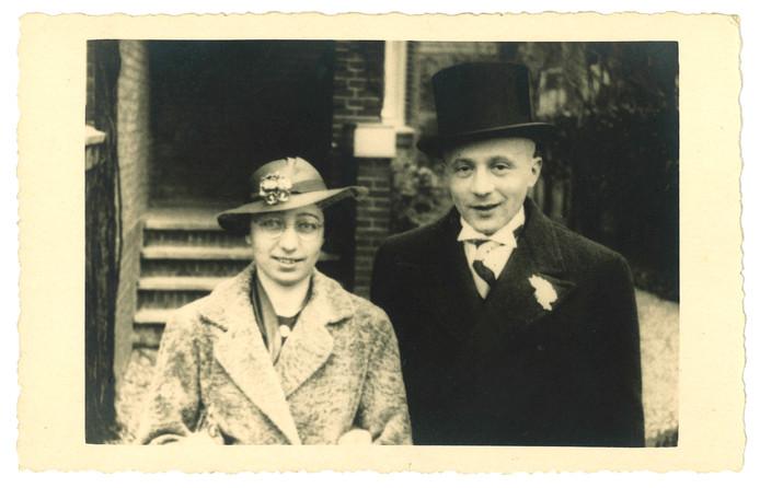 Martha en Arthur Neuhaus op hun huwelijksdag in 1936.