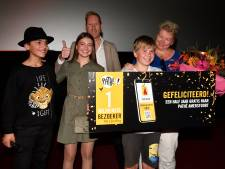 Tim (11) is miljoenste bezoeker van The Lion King in Pathé