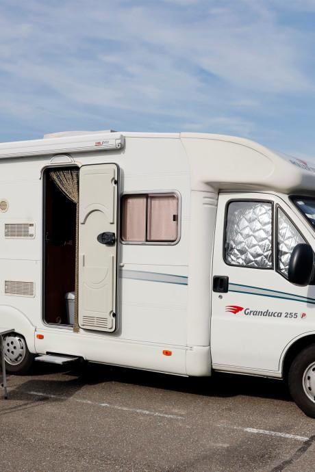 Camperaars stuiten in Zeeland regelmatig op een volle camperplaats