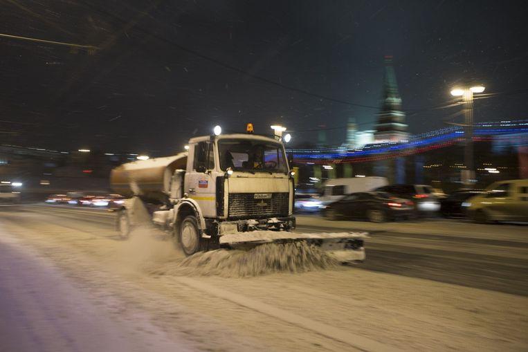 Een sneeuwschuiver in Moskou.