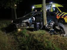 Niets over van gecrashte auto in Beek en Donk