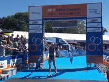 Klamer voor zesde maal de sterkste in triatlon Holten