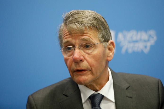 Minister van Staat Piet Hein Donner onderzoekt met een team hoe samenwerking in de grensregio makkelijker kan verlopen.