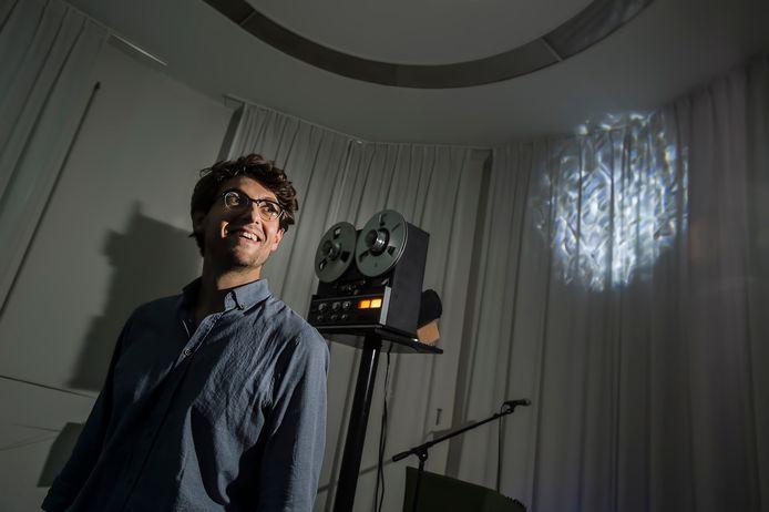 Pix4Profs-Ron Magielse Mathijs Leeuwis presenteert zijn nieuwe album in een tapelooptempel. Foto Pix4Profs/Ron Magielse