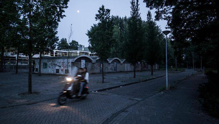 Voor ouderen uit het Eduard Douwes Dekkerhuis werd elke brommer een reden tot angst Beeld Rink Hof