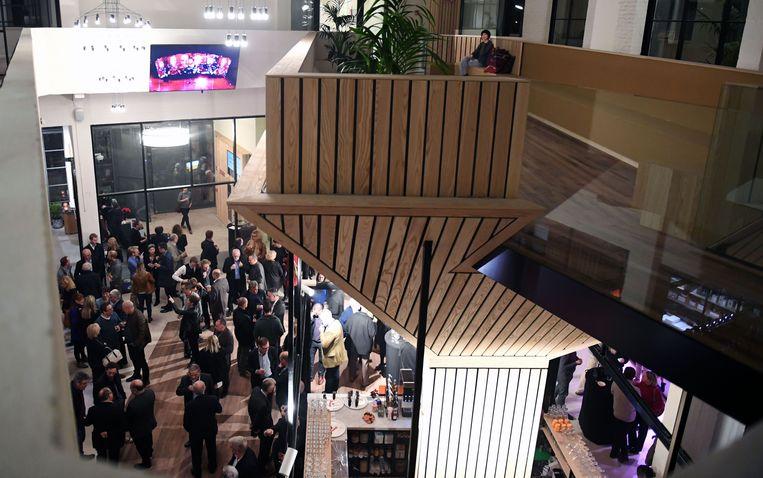Ontwikkelaar ViRiX stuurt het concept van de versmarkt bij en wil vooral ruimte aanbieden voor startups en/of co-working. Ristorante Rossi wordt wel een volwaardig restaurant.