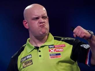 """Van Gerwen noemt collega-darter Worsley """"een rat"""", Welshman duwt Nederlander en wordt uit toernooi gezet"""