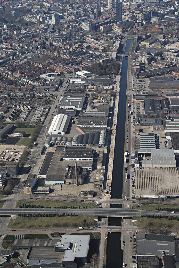 Het Eindhovensch Kanaal richting de binnenstad van Eindhoven.