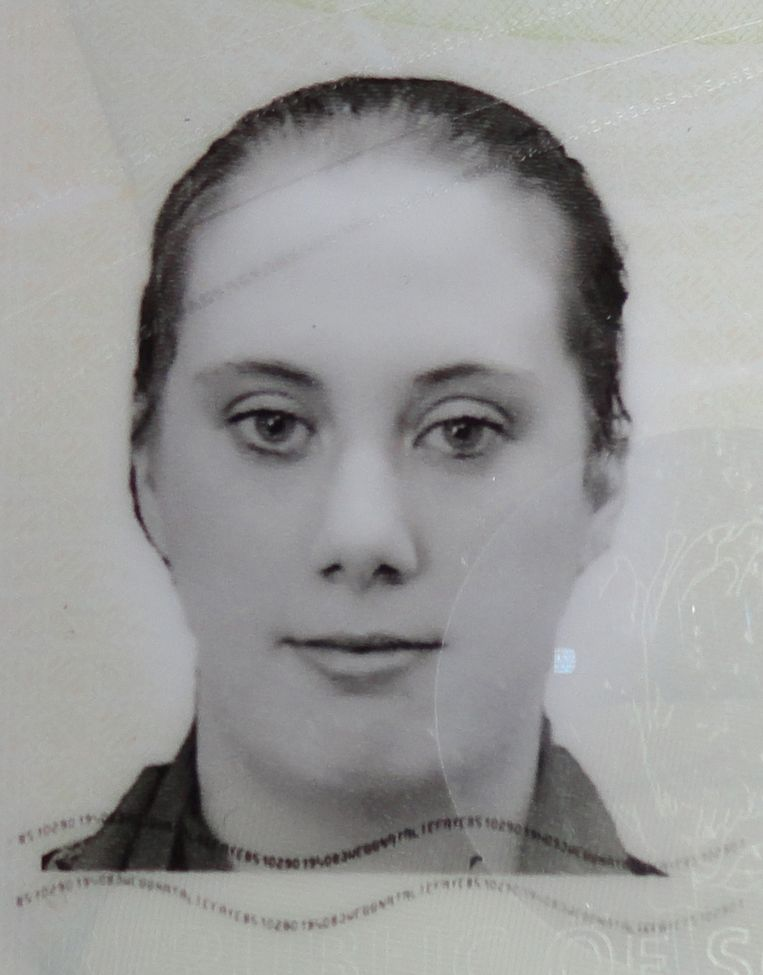 Een foto van Samantha Lewthwaite van haar valse Zuid-Afrikaanse paspoort. Beeld AFP