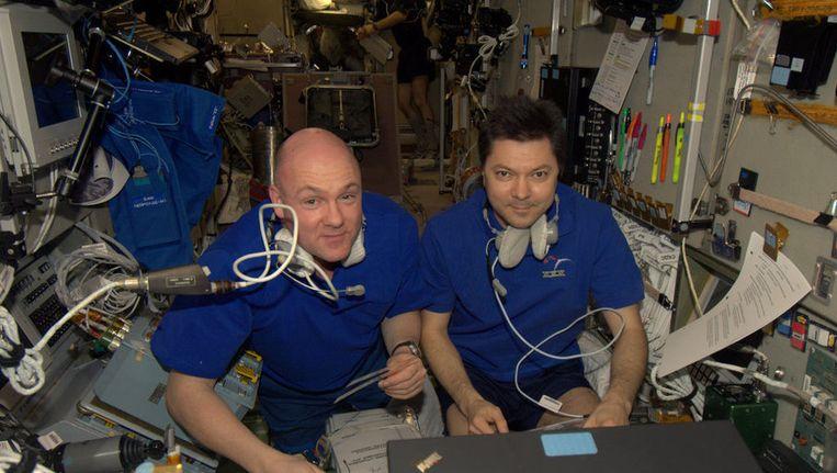 André Kuipers en Oleg Kononenko bereiden zich voor op de komst van ATV-3 Edoardo Amaldi. Beeld ESA