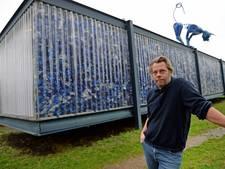 Paviljoen van tienduizenden petflessen verhuist van Enschede naar Hengelo
