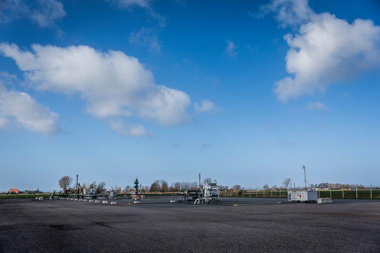 Een boorlocatie van de NAM bij het Friese Warfstermolen, waar door middel van fracking gas wordt gewonnen Beeld ANP