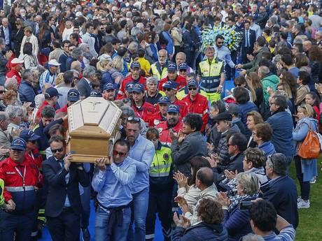 Astana kiest als eerbetoon geen vervanger voor Scarponi in Giro
