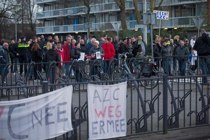 In Spijkenisse werd al eerder gedemonstreerd tegen de komst van een azc.   foto-john de pater