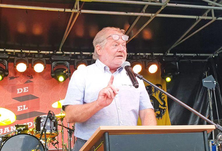OPWIJK: Dorpsdichter Eddy Hillaert