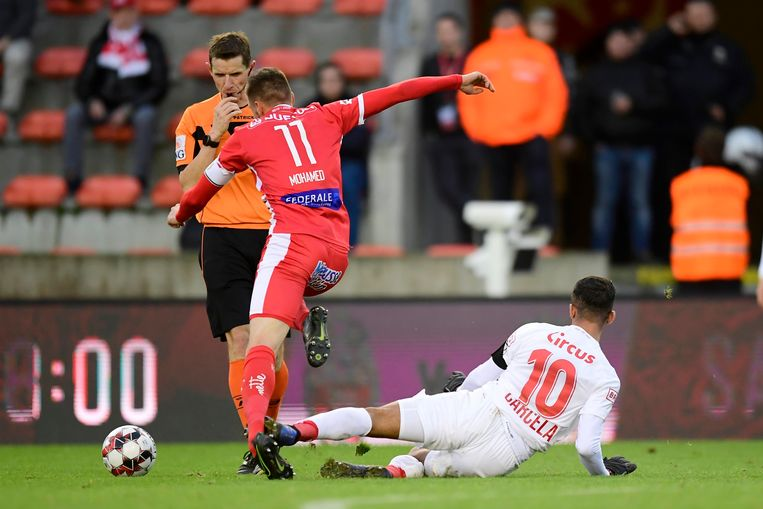 Carcela pakte rood voor Standard tegen Moeskroen.