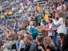 Rapper Ronnie Flex trekt veel jeugd naar het Edese Openluchttheater