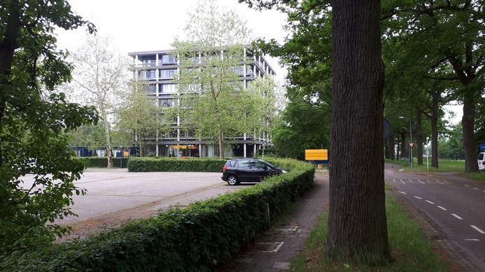 De kantoorflat wordt gesloopt en maakt plaats voor huurappartementen.