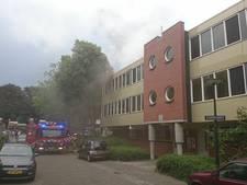 Appartement onbewoonbaar na brand Enschede, brandweer redt kat