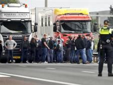Kermisexploitanten uit heel Brabant staan stil op snelweg naar Den Haag: 'Er móét iets gebeuren'