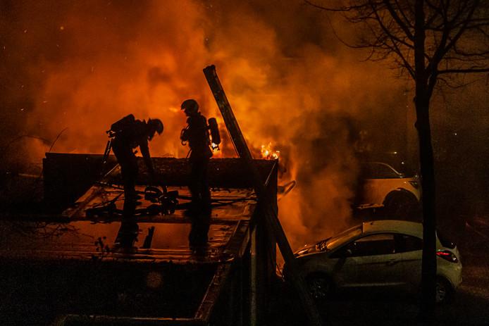 Autobrand in Nijenheim eerder deze week. Foto André Brockbernd een buurman vanuit zijn raam