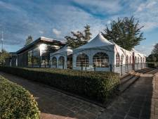 Zo komt Duivense voetbalclub de herfst door: warme tenten naast de kantine