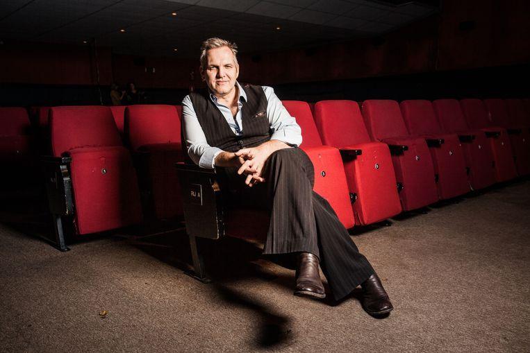 Raf Walschaerts brengt in Zoersel zijn solovoorstelling Biecht.