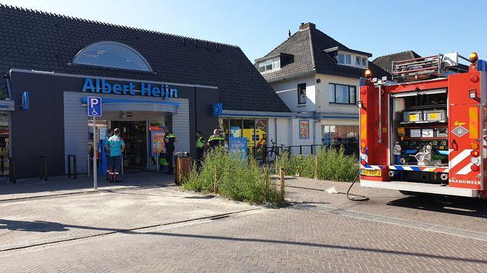 Een supermarkt in Losser is zondagmiddag een korte tijd ontruimd na een brandmelding.