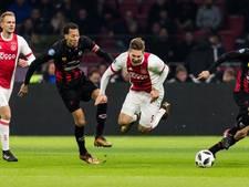 Ajax nadert PSV maar loopt tegen Excelsior ook averij op