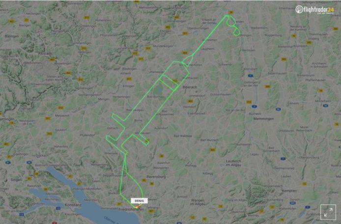 De 20-jarige piloot stippelde de route uit die hij zou moeten nemen op een GPS-apparaat.