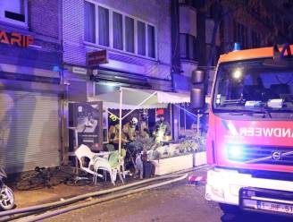 """Elf slachtoffers naar ziekenhuis met rookvergiftiging: """"Buren kwamen helpen met blussen"""""""