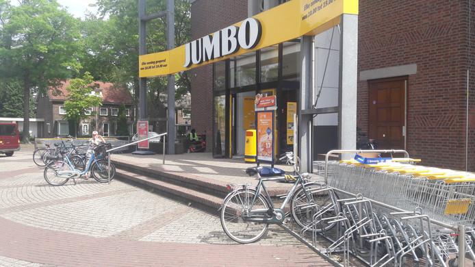 Supermarkt Jumbo aan de Azalealaan in Helmond.