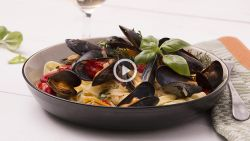 Til je provençaalse pasta naar een hoger niveau met... mosselen!