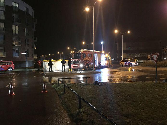 Een automobiliste is gereanimeerd door hulpdiensten na een eenzijdig ongeluk op de Van Heemstraweg in Druten.