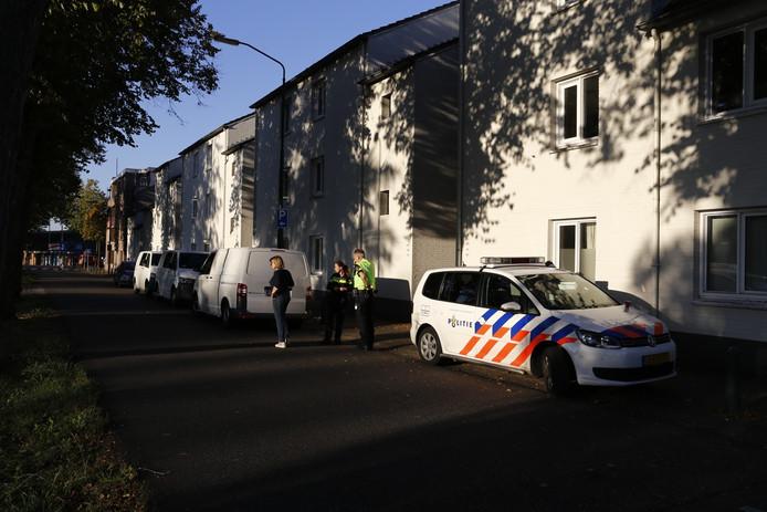 De politie doet onderzoek naar het overlijden van een man in Cuijk.