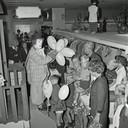 Pipo de Clown bij de opening van modehuis Gerzon in 1968 in Eindhoven