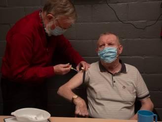 Bewoners en deel personeel Woonzorghuis Molenkouter krijgen eerste prik