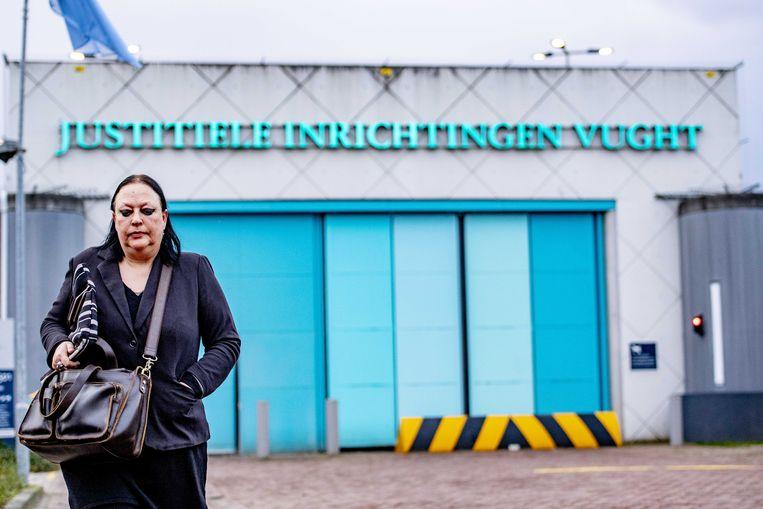 Inez Weski, de advocaat van Ridouan T., vertrekt bij de Extra Beveiligde Inrichting (EBI) Vught. Beeld ANP