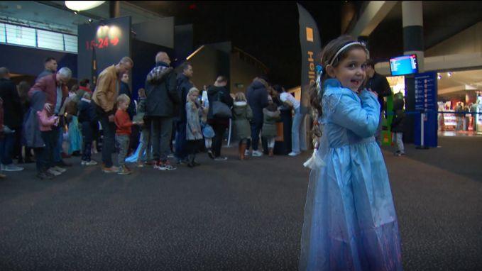 """Frozen 2 volgens de fans: """"Olaf botst overal tegenaan. Dat is wel gek."""""""