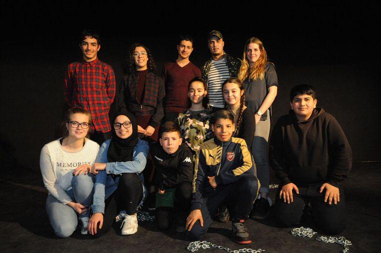 De jongeren leverden zelf het materiaal voor de theatertekst en putten daarbij uit hun eigen ervaringen met racisme.