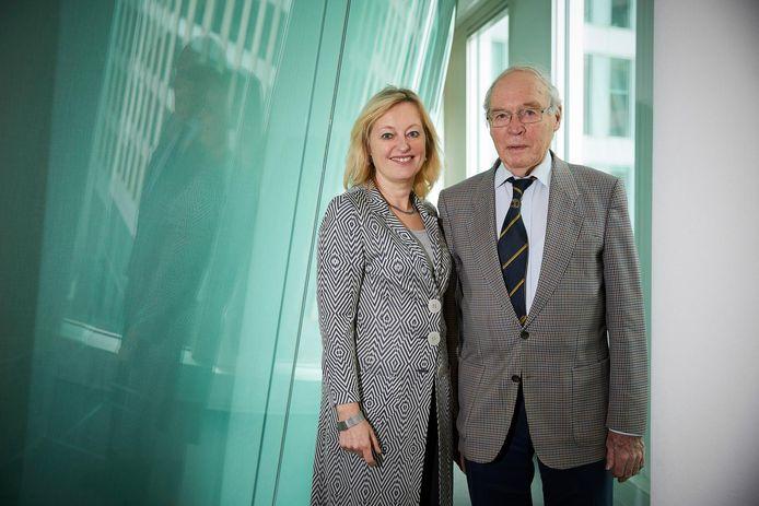 Oud-minister Jet Bussemaker met haar vader Henk in 2016.