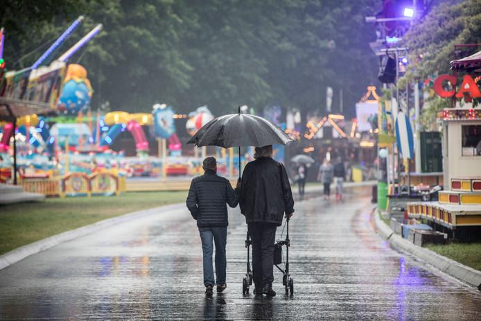 Eindhoven - Park Hillaria in de regen