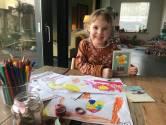 Ook Lola (4) maakt quarantaine-kaartjes voor Tilburgse ouderen: 'Hoe meer, hoe liever'