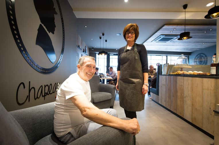 Bakker Jan Ceulemans en zijn vrouw Nadine in het koffiehuis.