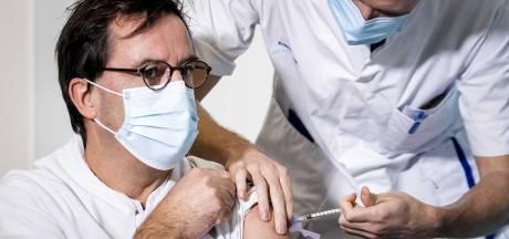 Video van de dag | Blije Diederik Gommers na het krijgen van coronavaccin: 'Echt gaaf'