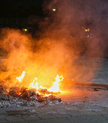 Vals alarm: autobrand in Oss blijkt brandende stapel oud-papier