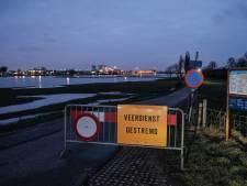 Veerpont tussen Huissen en Loo uit de vaart om laag water