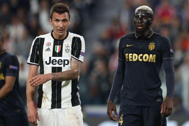 Bakayoko (rechts) in actie tegen Juventus in de halve finale van de Champions League.