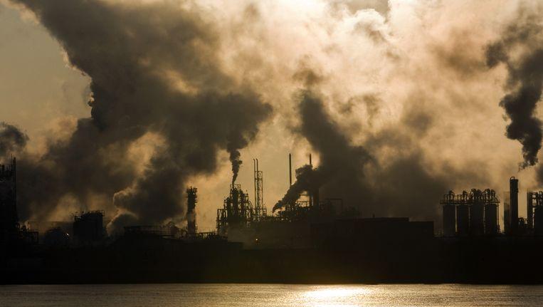 Industrie in de Tweede Merwedehaven. Beeld ANP XTRA